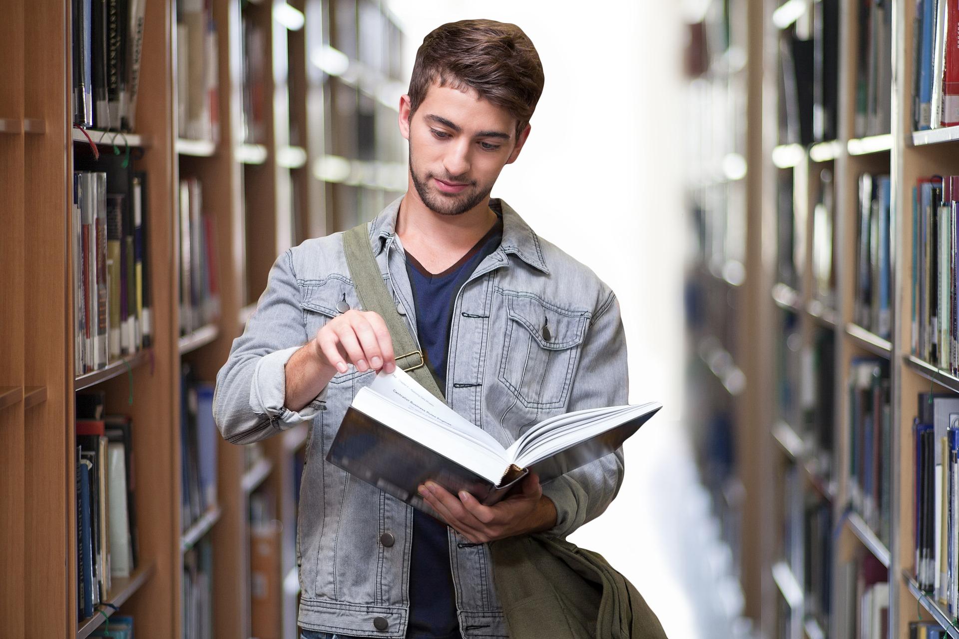 Comparaison entre les Prêts Étudiants - Découvrez les Meilleurs Taux Ici