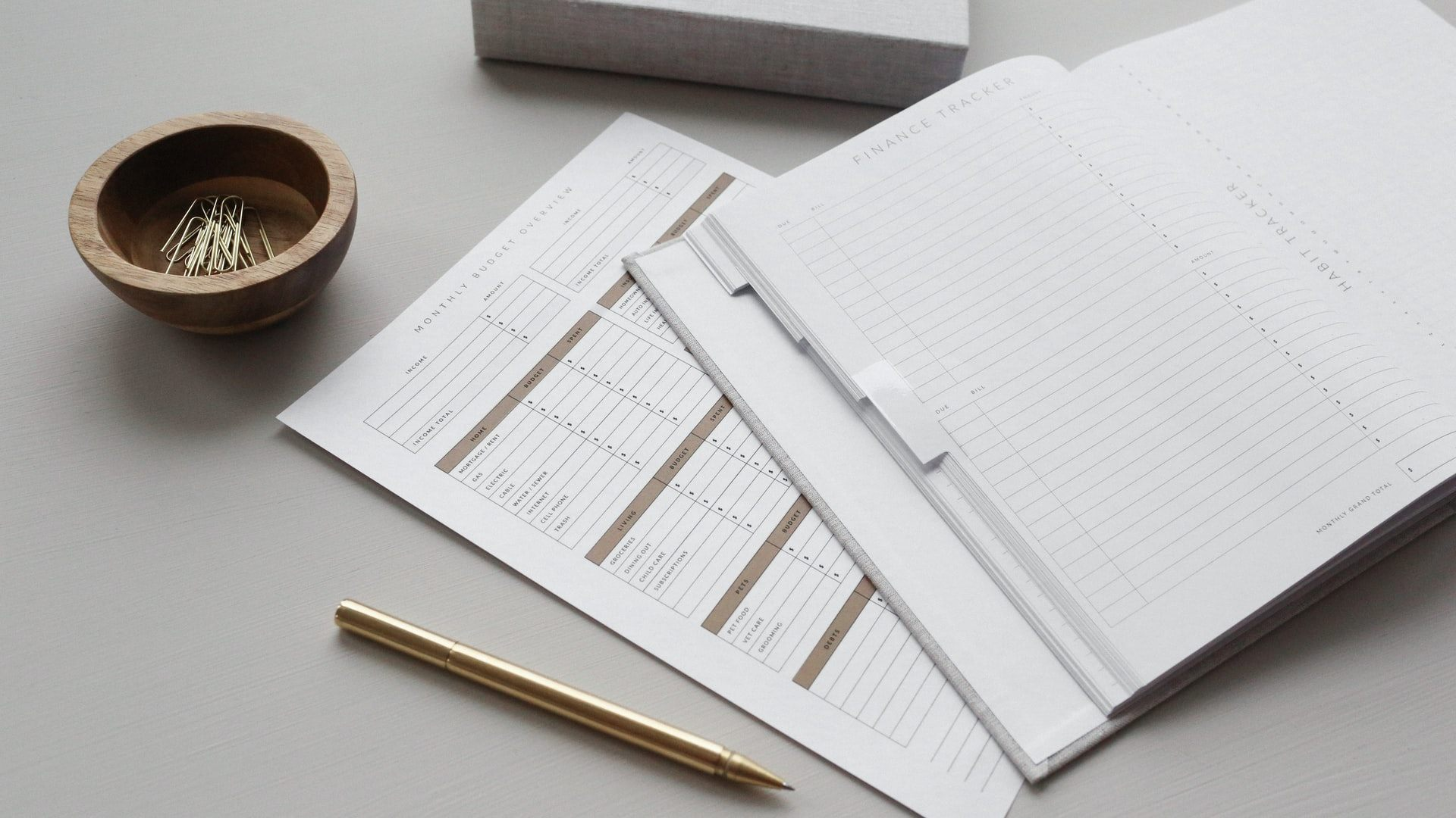Spreadsheets or an App? What Is the Best Way to Control Personal Finance?